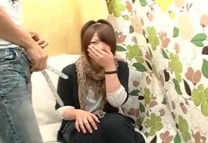 素人娘の赤面手コキぶっ飛びザーメン発射!! 真夏の4時間スペシャル